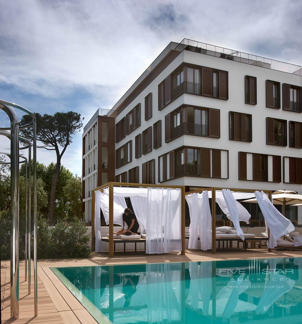 Outdoor Pool and Lounge at Principe Forte dei Marmi Forte dei MarmiItaly
