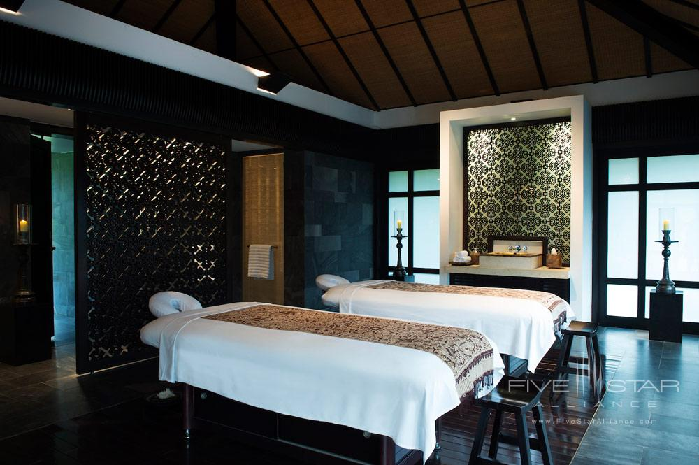 Spa Fitness Treatment Suite Double Bed at Nam Hai Hotel