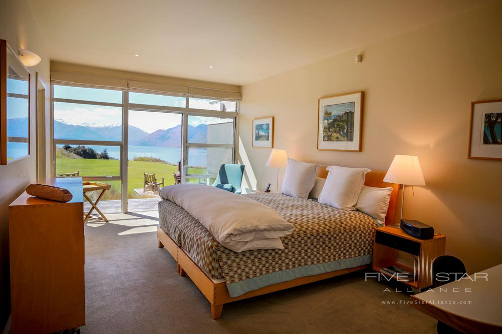 Deluxe Room with Lake and Mountain View at Whare Kea