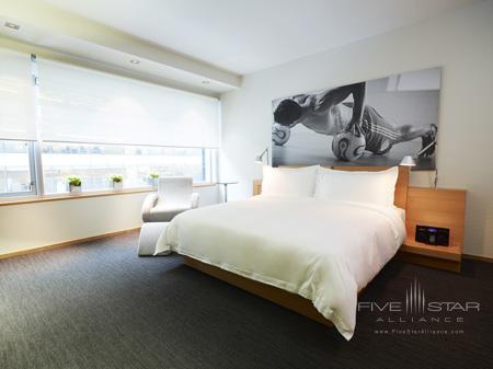 Hotel Le Germain Maple Leaf Square