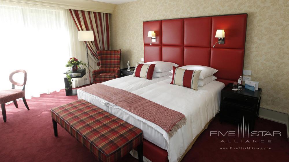 Deluxe Red Rooom at Kempinski Hotel Gravenbruch