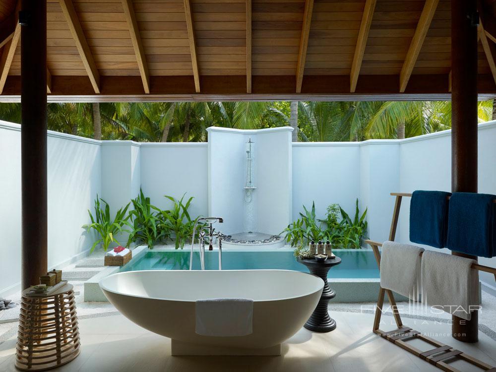Luxury Bath at Dusit Thani Maldives