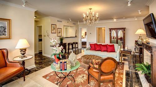 Hotel Mazarin Presidential Suite Living Room