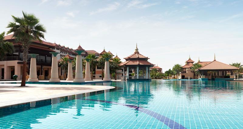 Anantara Dubai-Main Pool Bar