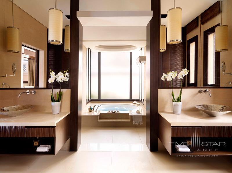 Anantara Dubai-One Bed Beach Villa Bathroom