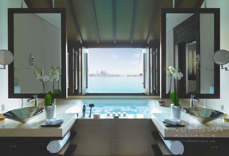 Anantara Dubai-Overwater Villa Bathroom