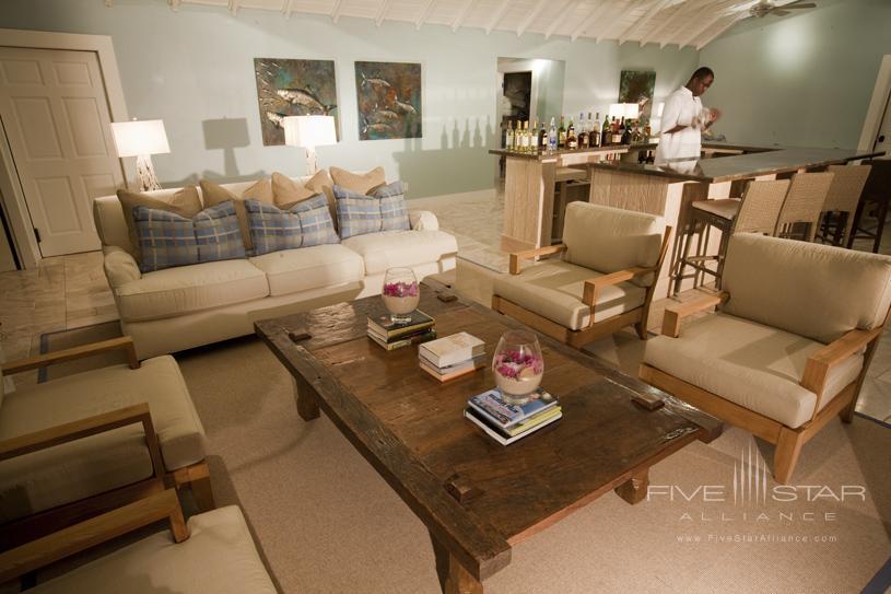 Tiamo Resort Sitting Area with Bar