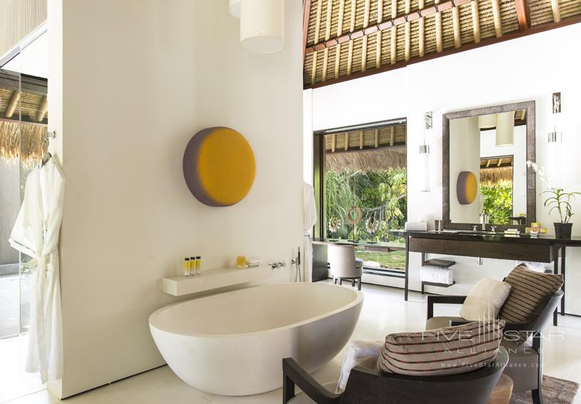 Cheval Blanc Randheli Guest Bathroom