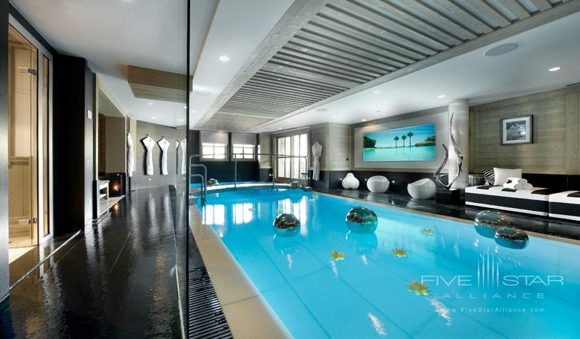 Hotel le K2 Indoor Pool