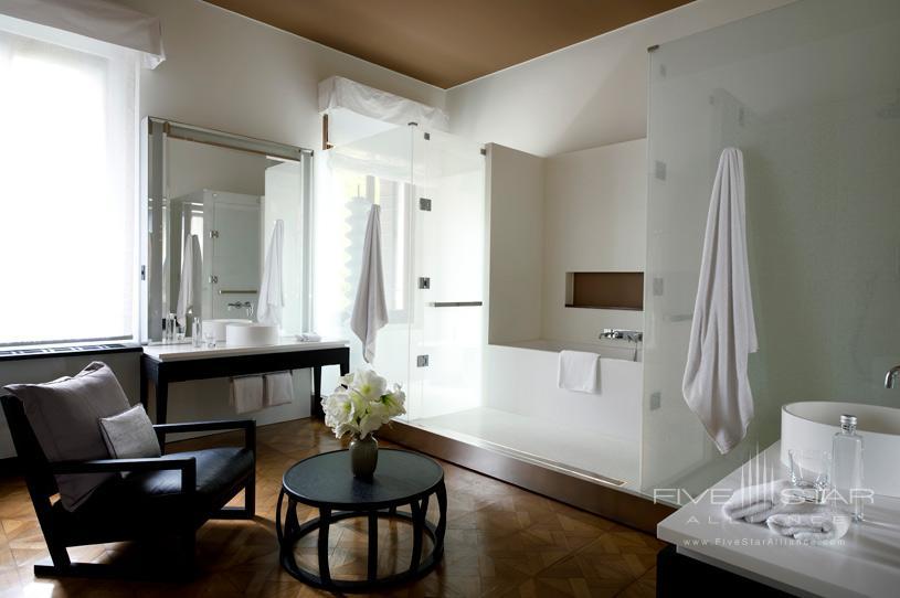 Stanza Bath at Aman Canal Grande Venice