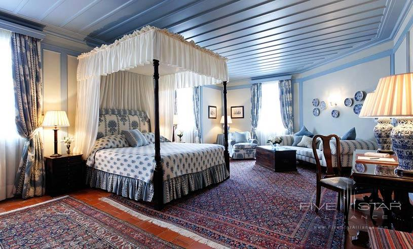 Deluxe Suite at The Hotel Albergo