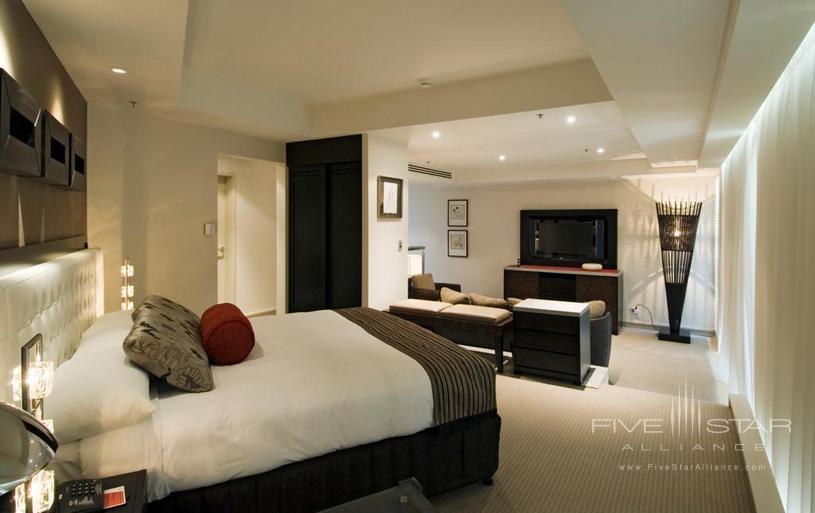 Guest Room at Royal Pines Resort