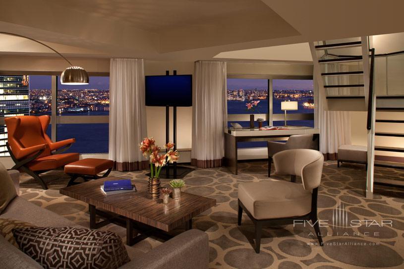 One UN New York Duplex Suite
