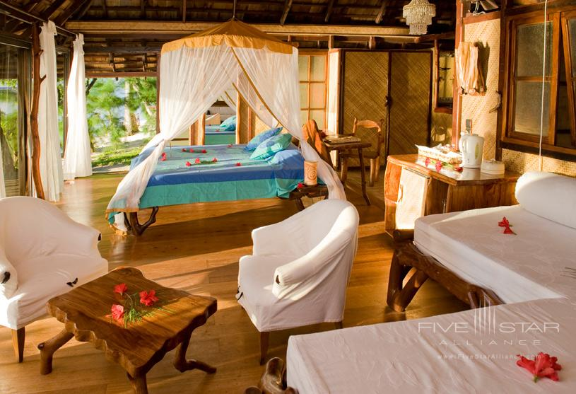 Deluxe Beach Bungalow at Vahine Island