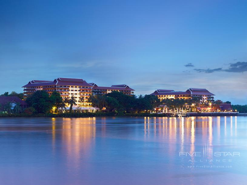 Anantara Bangkok Hotel Riverside Resort View