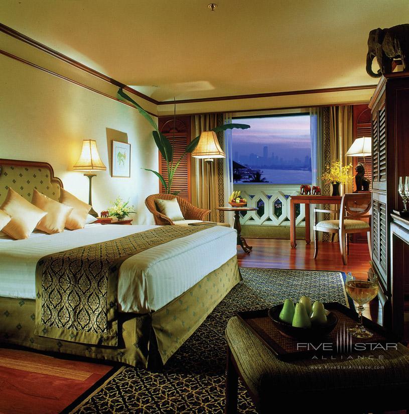 Deluxe River View at The Anantrara Bangkok Hotel