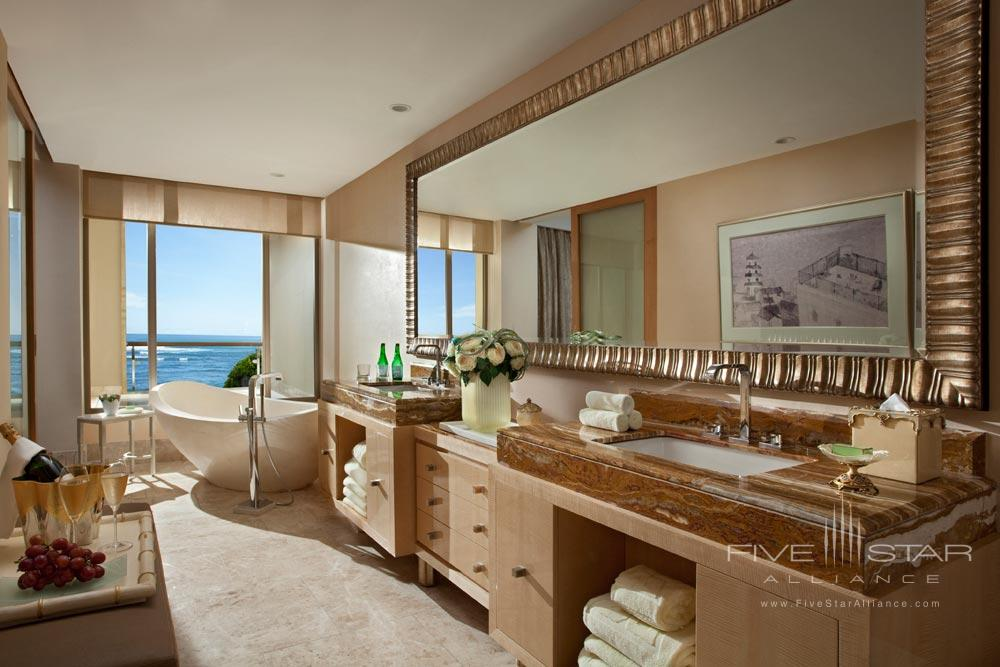 Earl Suite Bath at Mulia Bali