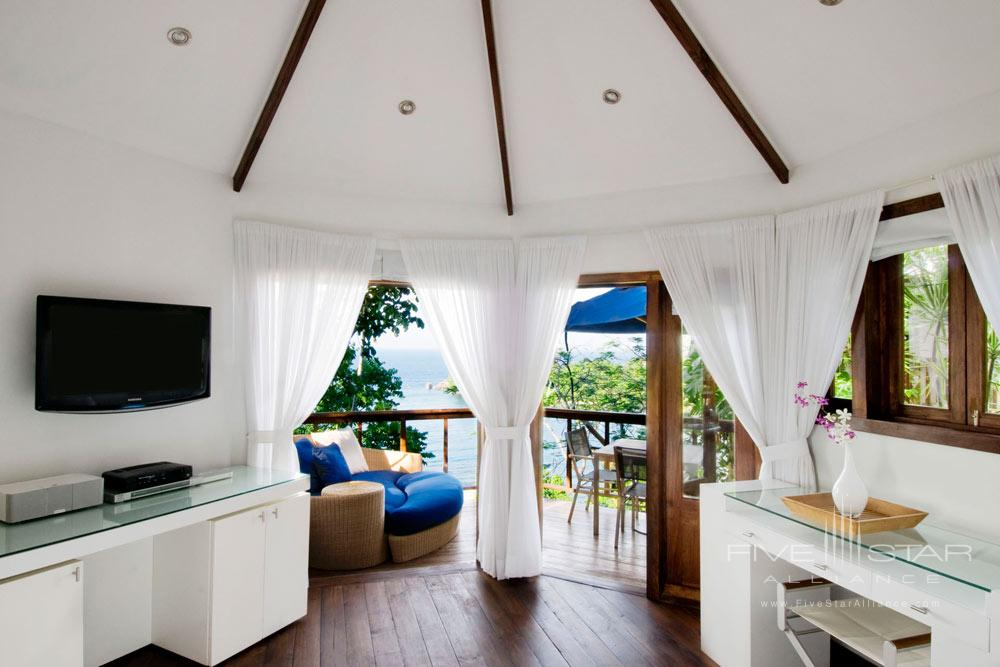Rocksteady is just a stones throw from both the Spa & Gymand overlooks the Hotel Geejams own Mack Bay waterfront in Jamaica. The balcony is the perfect spot for morning breakfast or an evening aperitif before dinner. Rocksteady also has a double steam roomwhich is ideal for really sinking into your skin.