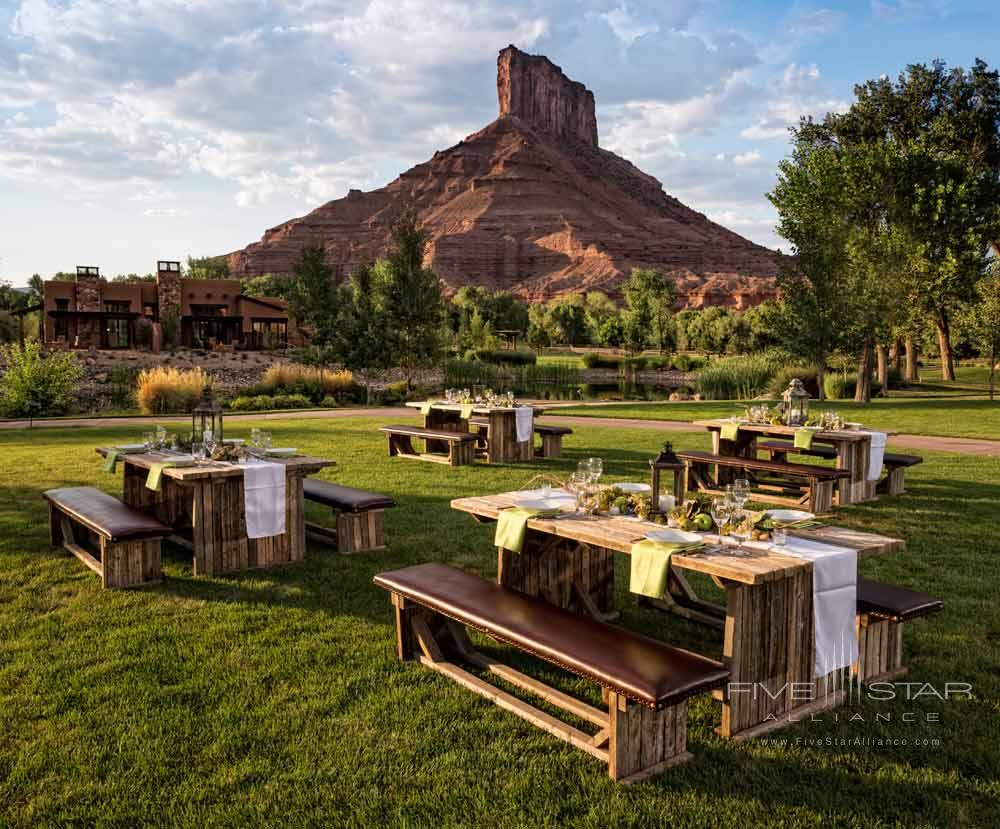 Outdoor Picnic Area at Gateway Canyons Resort and Spa