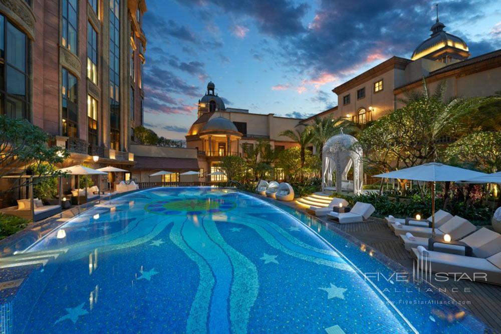 Luxury Spa Pool at Mandarin Oriental TaipeiTaiwan