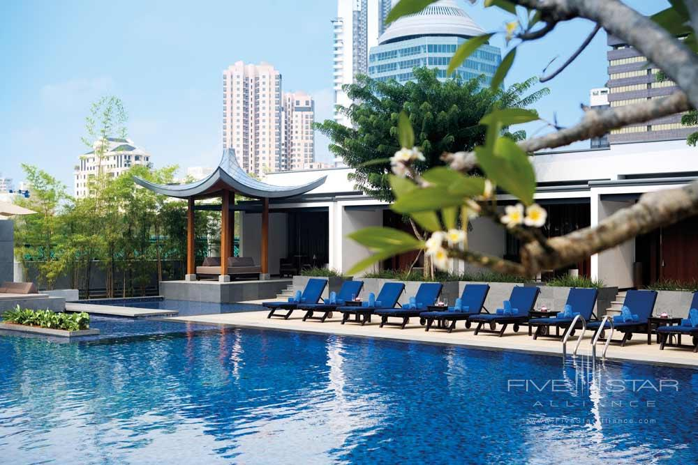 Pool at The Singapore Marriott Hotel