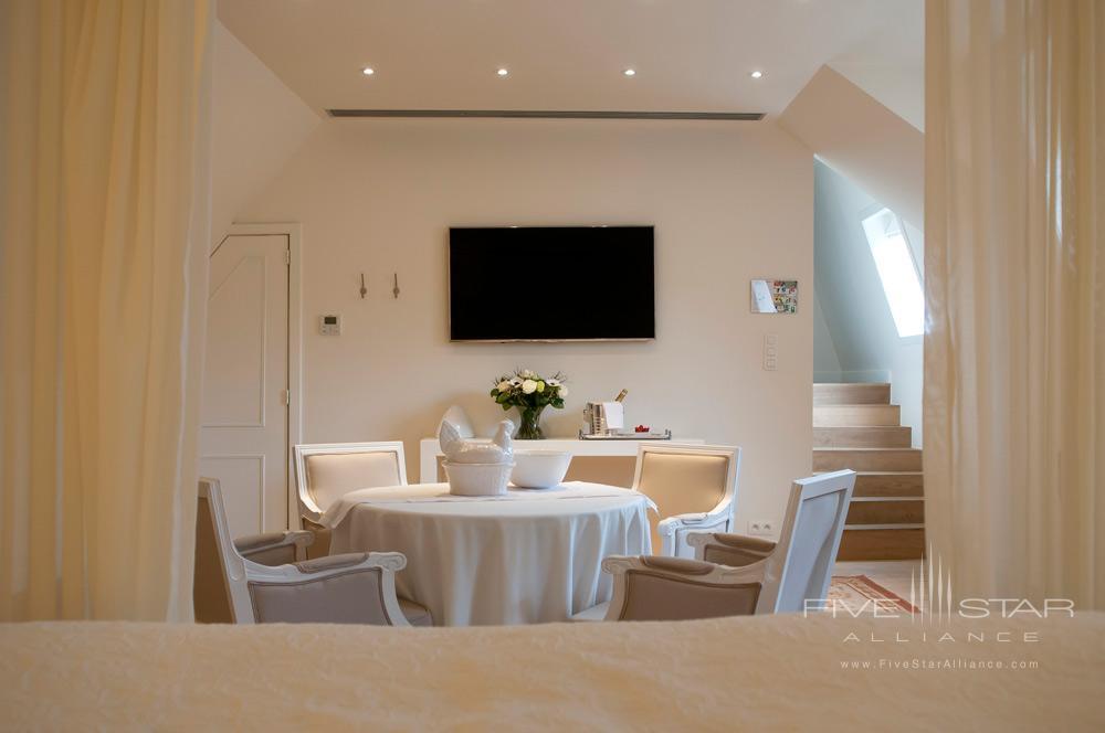 Hotel De Tuilerieen Bruges Suite Dining Area