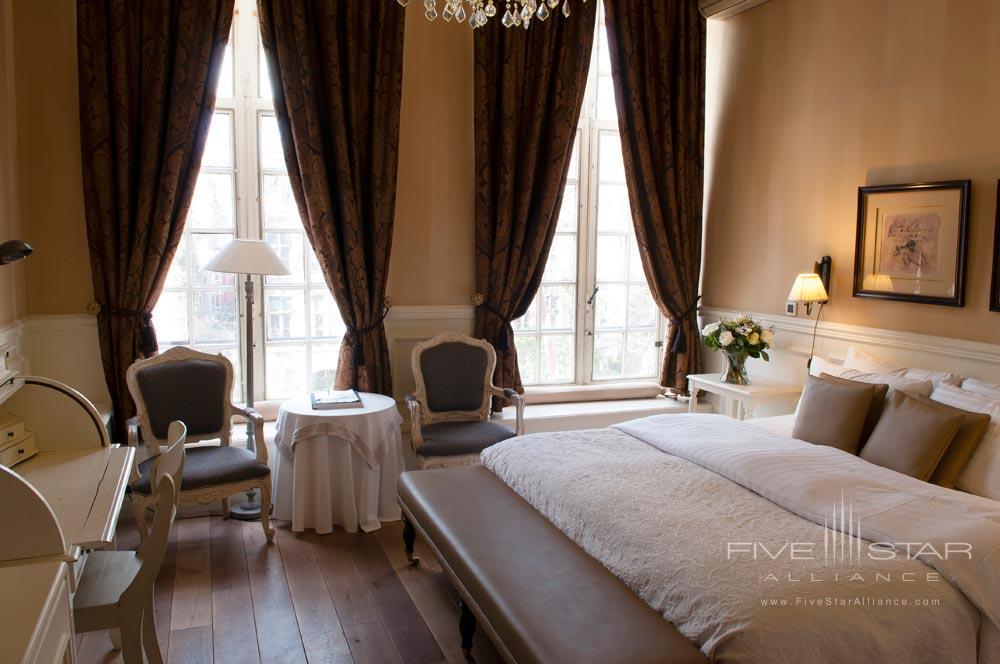 Hotel De Tuilerieen Bruges Guest Room