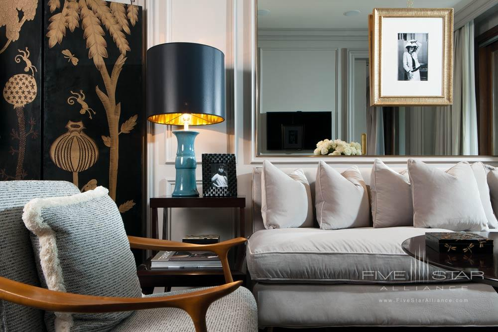 Living Area of Guest Suite at Portrait Firenze