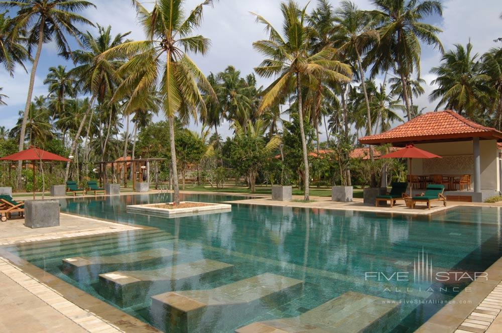 Swimming Pool with Built In Jacuzzi at Serene Pavillions