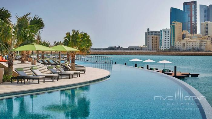 Four Seasons Hotel Bahrain Bay Infinity Pool