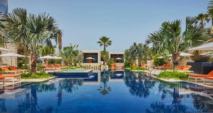 Four Seasons Hotel Bahrain Bay Azure Pool