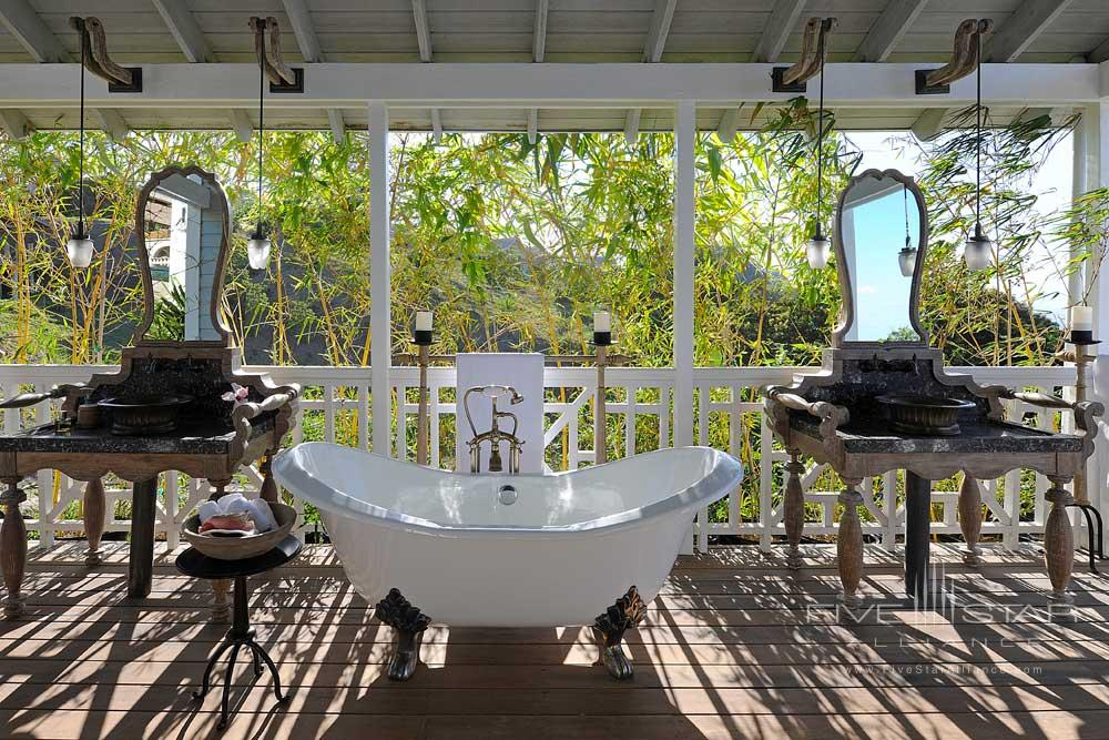 Belle Mont Farm Room With Double Vanity And Tub.