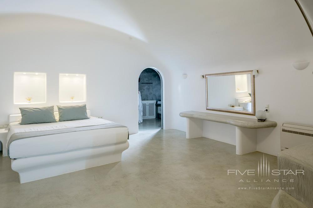 Deluxe Plunge Pool & Indoor Jacuzzi Suite BedroomPegasus Suites and Spa, Santorini
