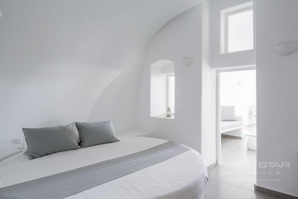 Deluxe Plunge Pool & Indoor Jacuzzi Suite BedroomPegasus Suites and SpaSantorini