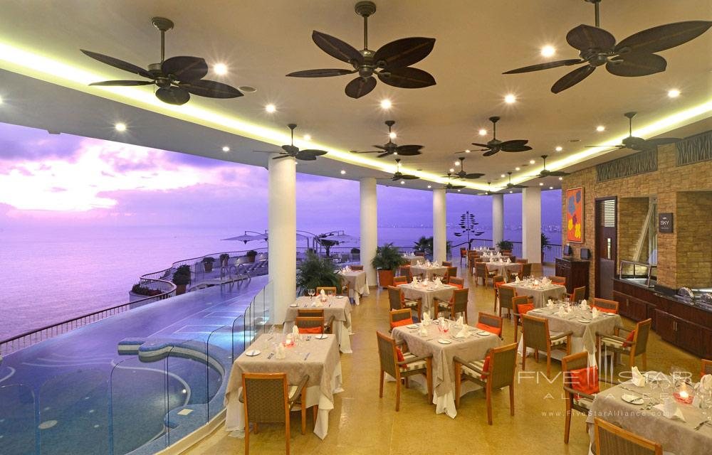 Sunset La Mar Restaurant at Grand Miramar Resort and Spa Puerto Vallarta, Jalisco, Mexico