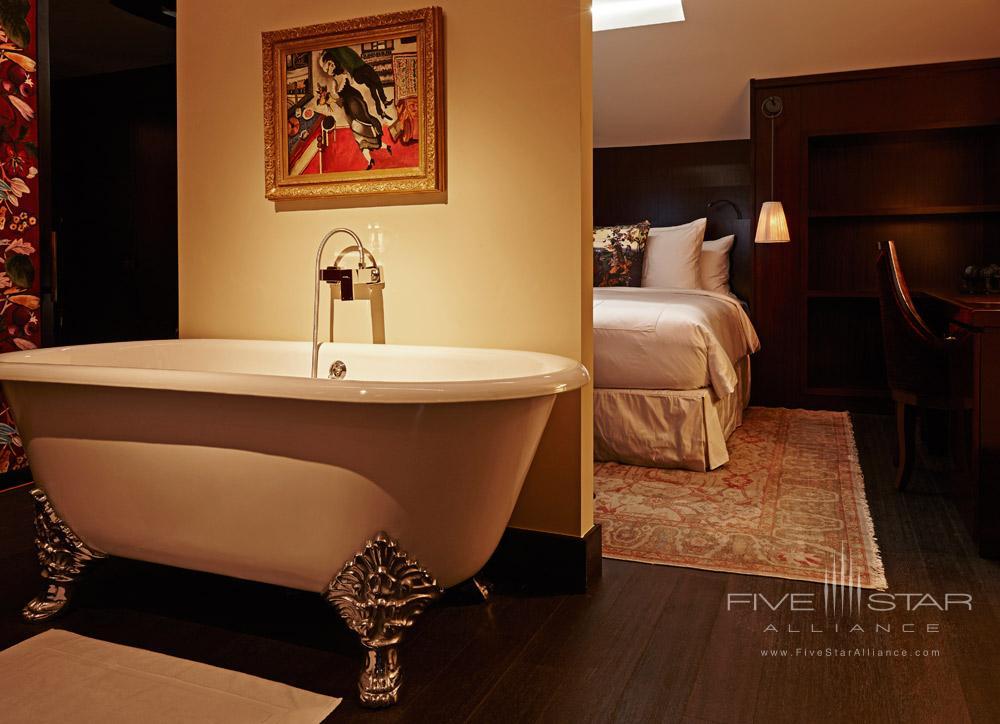 Suite Bath at Hotel Vagabond, Singapore