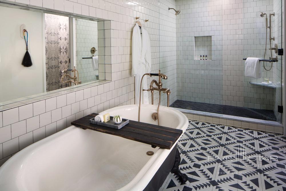 Bath at Thompson Nashville, TN