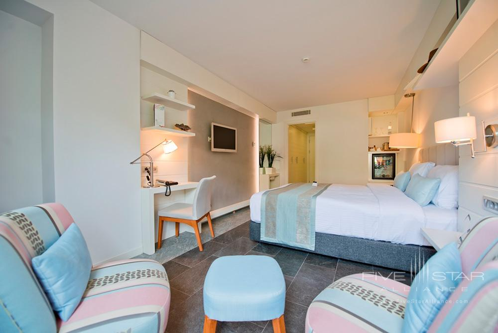 Suite Guest Room and Lounge at Avantgarde Yalikavak Hotel, Turkey