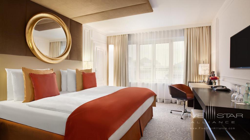 Guest Room at Hotel Vier Jahreszeiten Kempinski Munich
