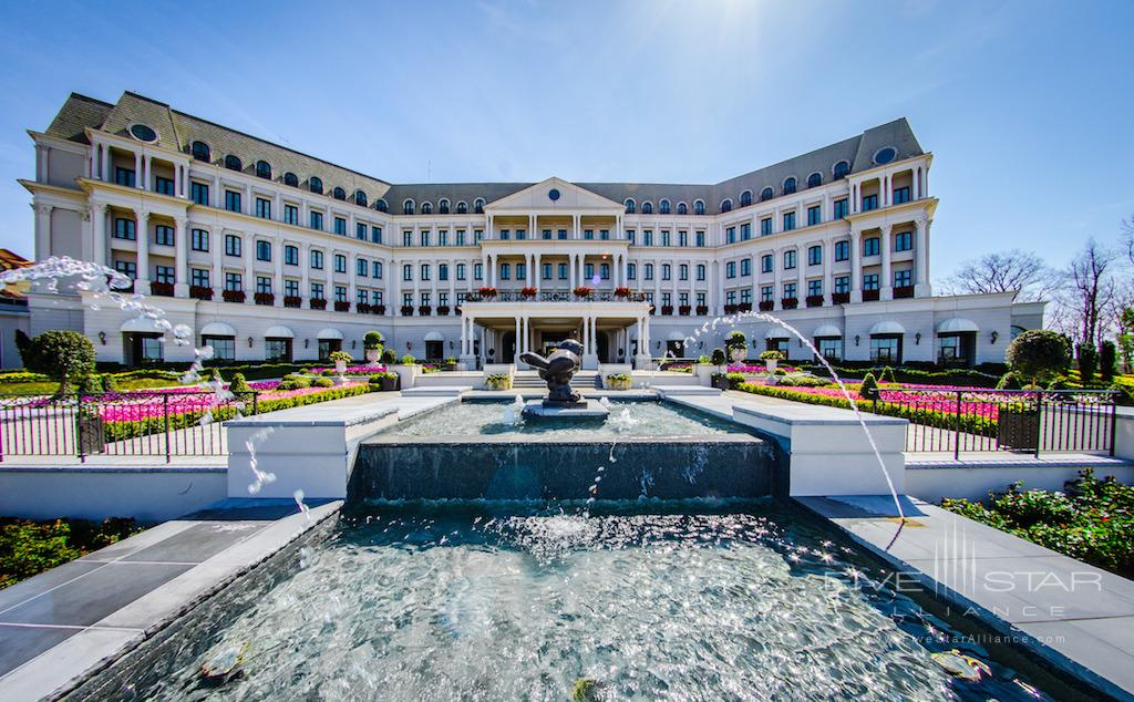 Chateau Lafayette Exterior at Nemacolin Woodlands Resort