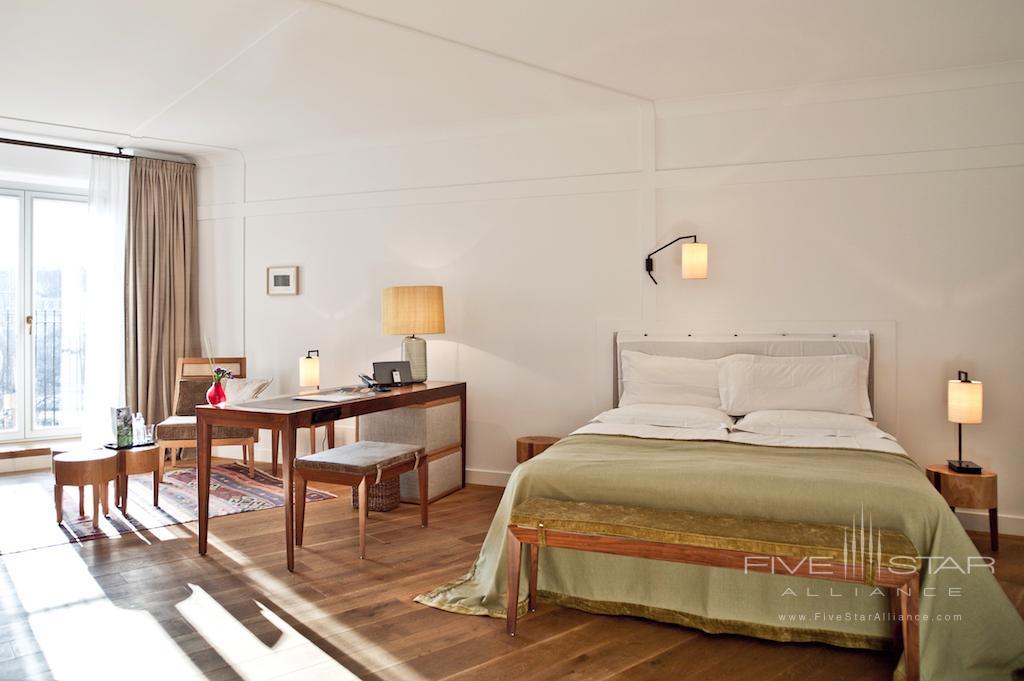 Louis Hotel Munich Guest Room