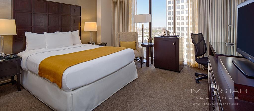 Guest Room at Hotel Houston Greenway Plaza, Houston, TX