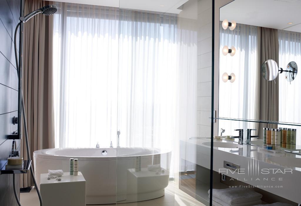 Guest Bath at Radisson Blu Resort Split, Croatia