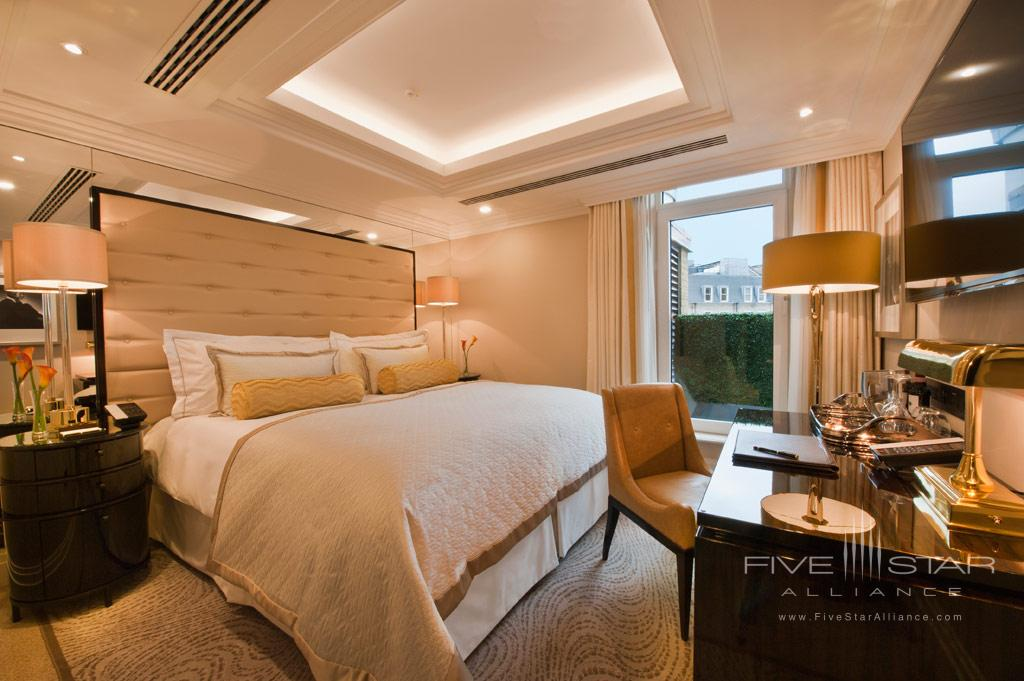Deluxe King Guest Room at The Wellesley, London