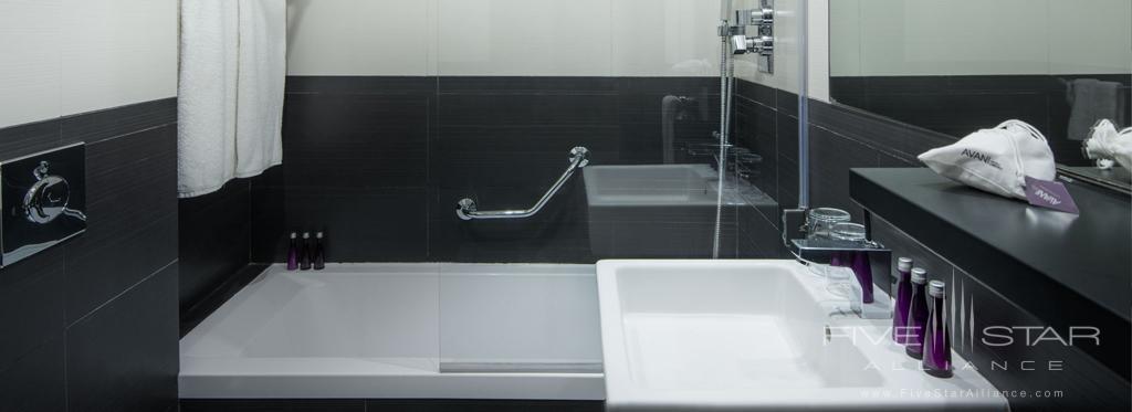 Guest Room Bath at AVANI Avenida Liberdade, Lisbon, Portugal
