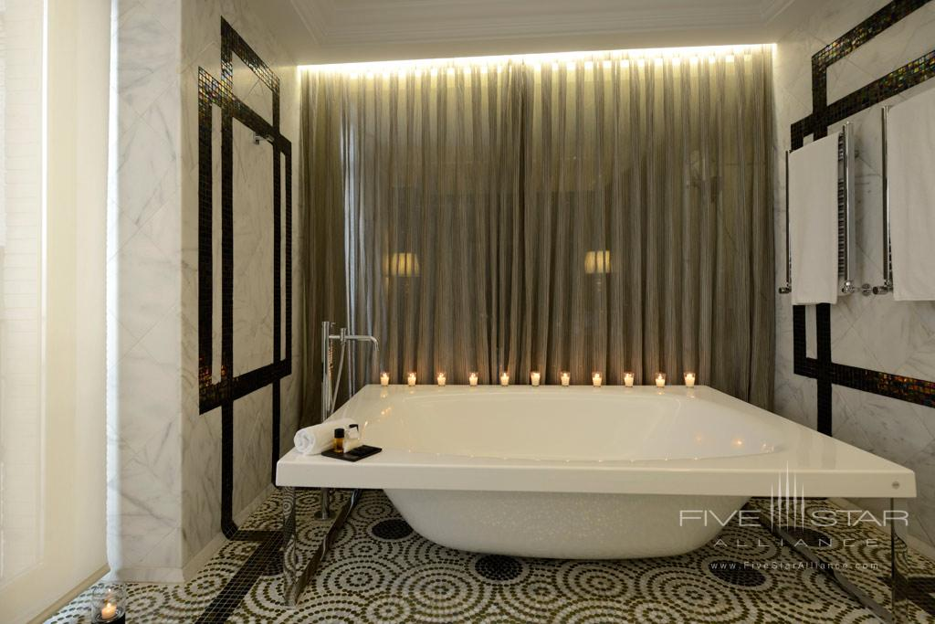 Grand Suite Bath at Hotel Unico Madrid