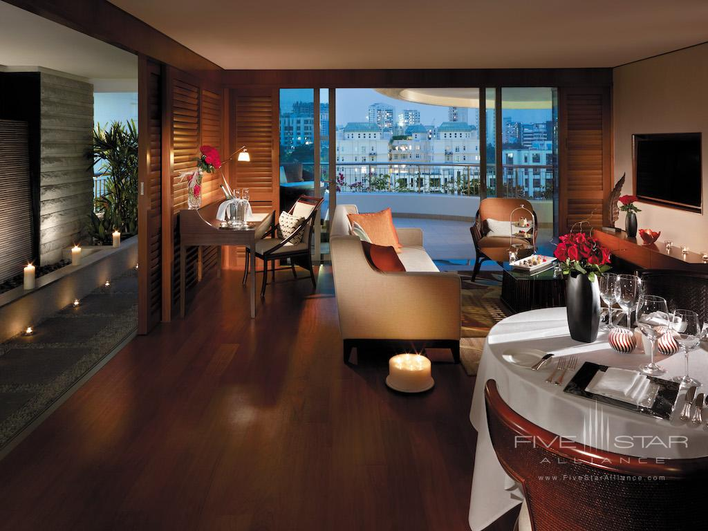 Honeymoon Suite Living Room at Shangri-La Hotel Singapore