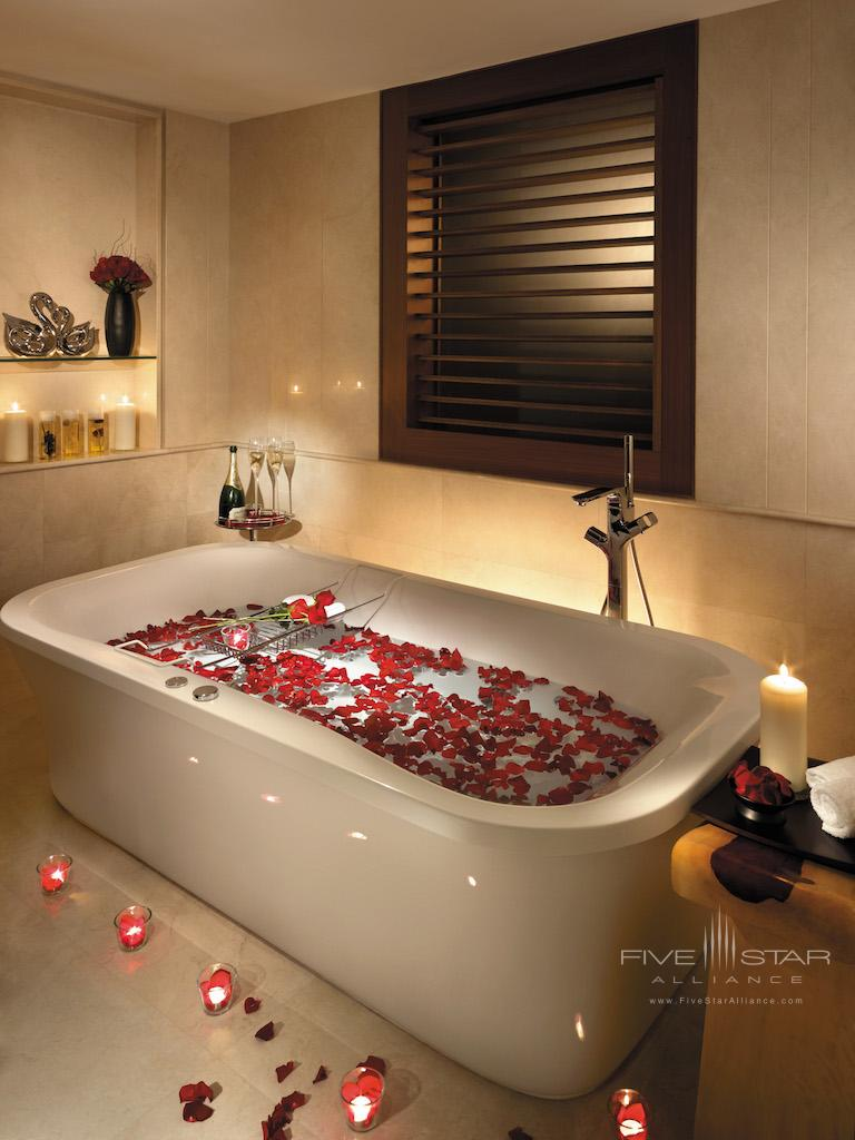 Soaking tub at Shangri-La Hotel Singapore