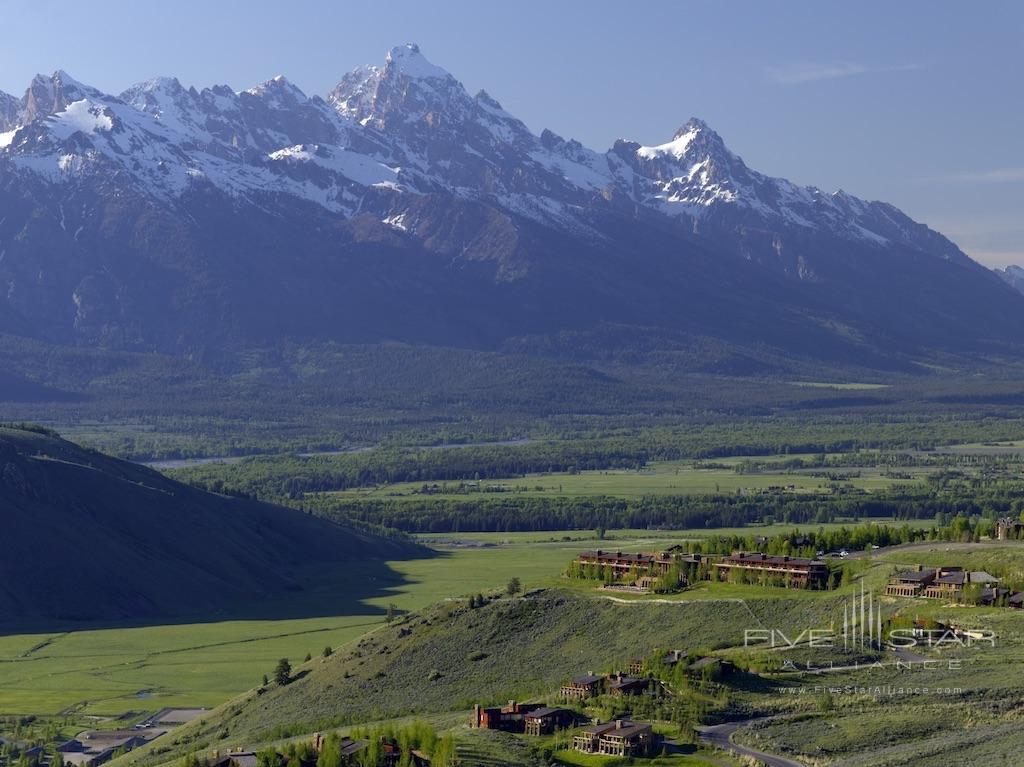 Amangani Mountain views