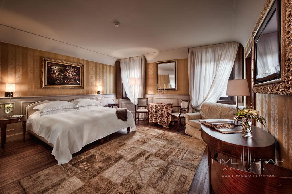 Grand De Luxe Guest Room at Palazzo Victoria, Verona, Italy